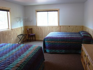 Cabin 7 2 queen size beds