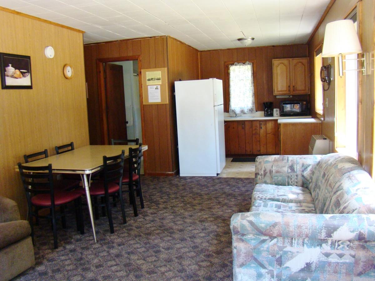 2 Bedroom MN Resort Cabins Brainerd Nisswa Gull Lake | MN Resort Cabins  Gull Lake Brainerd Nisswa Vacation Rentals REUNIONS Pools Beach