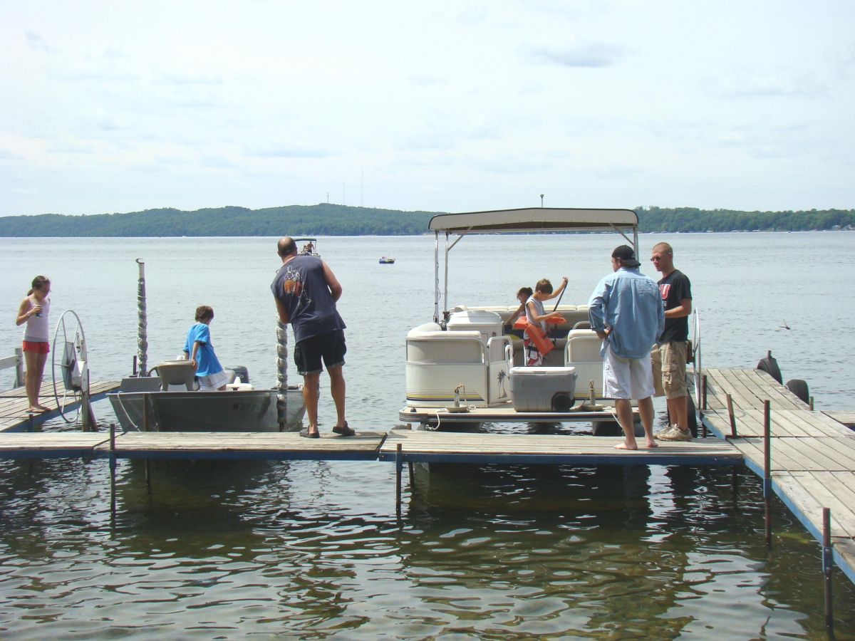 Gull lake pontoon rental mn resorts cabins brainerd nisswa for Fishing boat rental